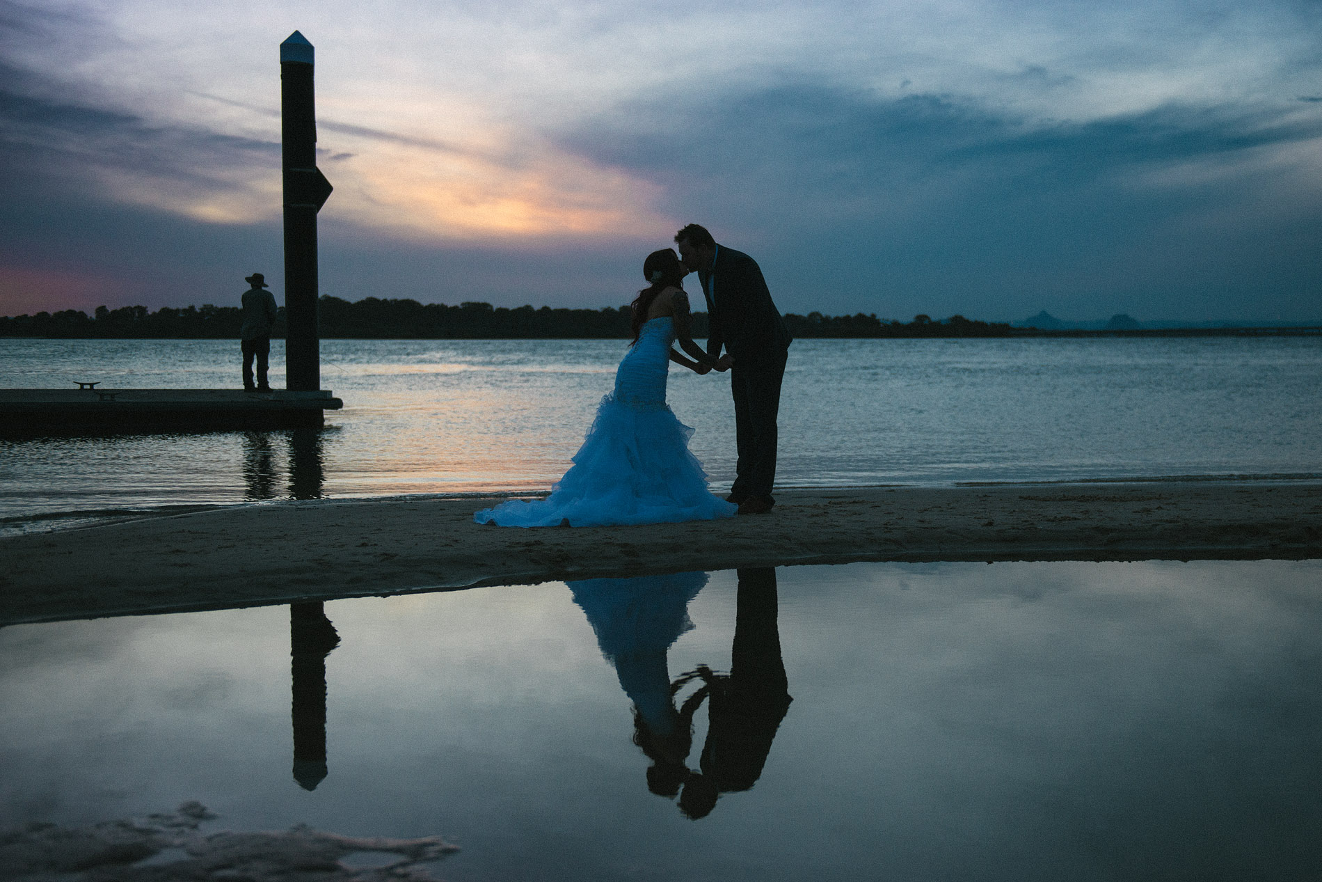 170909 0666 bribie island dusk sunset bongaree jetty beach fisherman epic landscape kiss wedding