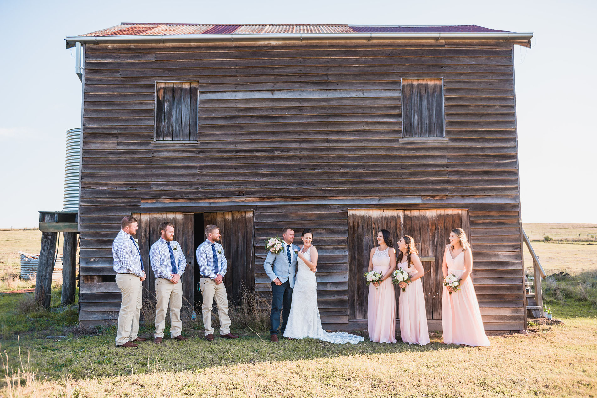 181110 0691 bebes farmhouse somerset dam old shed farm paddock rusty bridal party