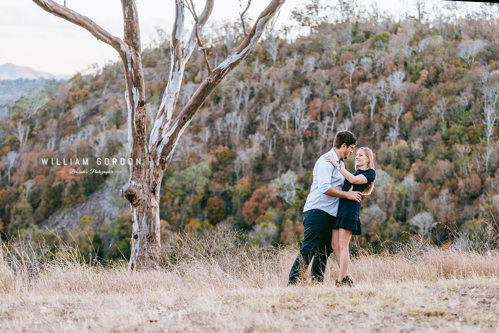 180908 0136 toowoomba engagement couple shoot inspiration prince henry heights lookout katoomba point lovers outlook gum tree
